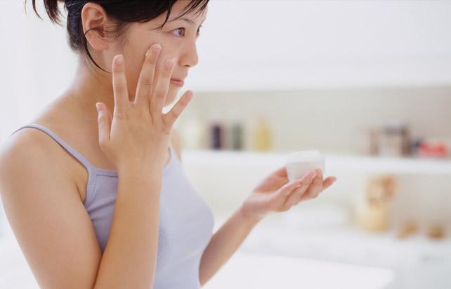 毛穴の開きを改善するには正しい方法でしっかりとケアすることが大切