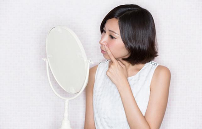 いちご鼻はパックでは治らない!正しいケアで解消する方法