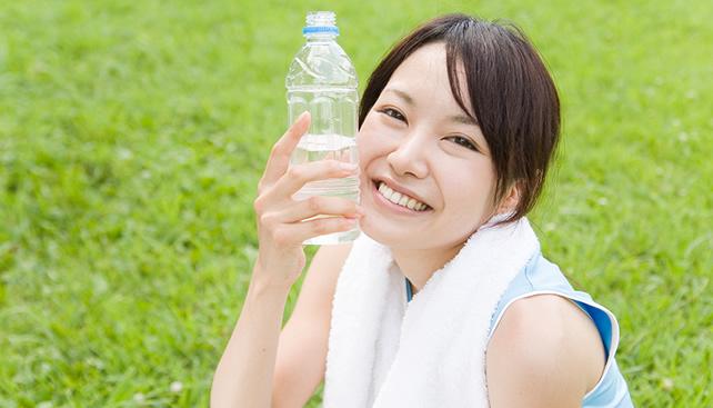 ペットボトルを使って顔のたるみをとる方法【即効性あり!】