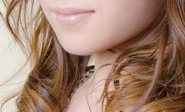 あごのたるみを解消して二重あごを改善させる簡単な方法ってあるの?